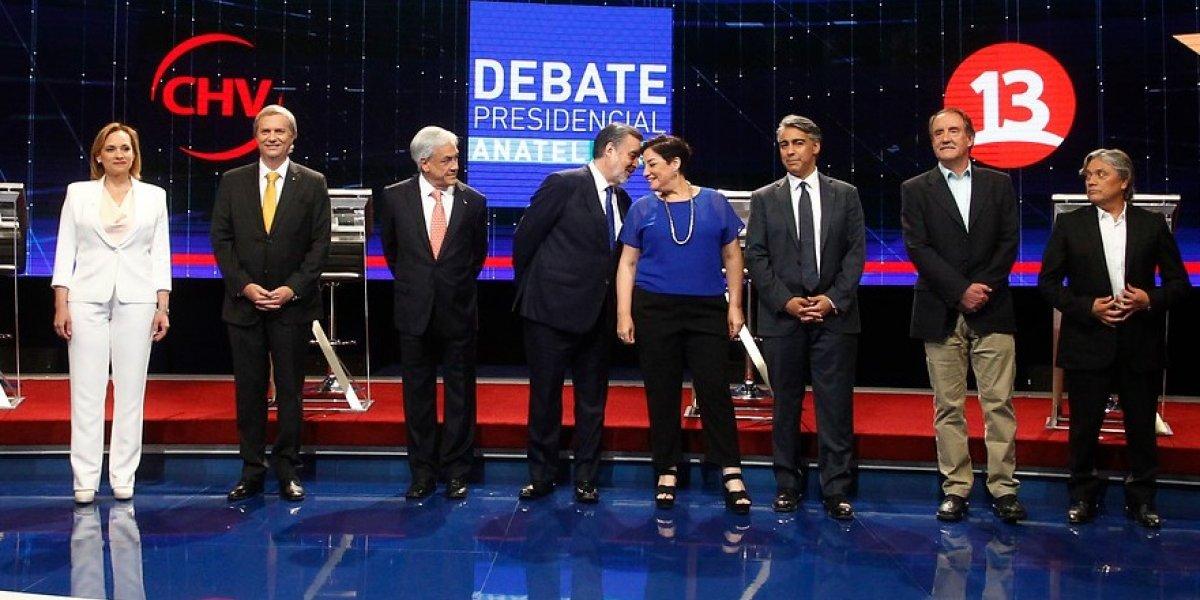 """""""Objetivo no logrado"""" o """"me sacaron de contexto"""": expertos analizan raro lenguaje de los políticos chilenos"""