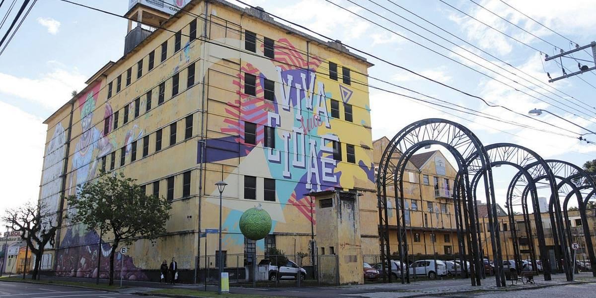 Feira em Curitiba valoriza produto autoral e feito à mão