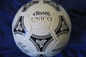 Balón Etrusco Único del Mundial de 1990