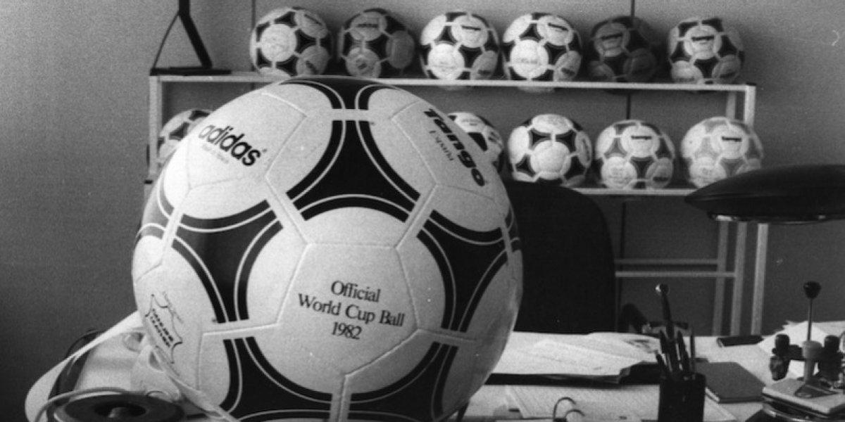 FOTOS: La evolución de los balones en Mundiales