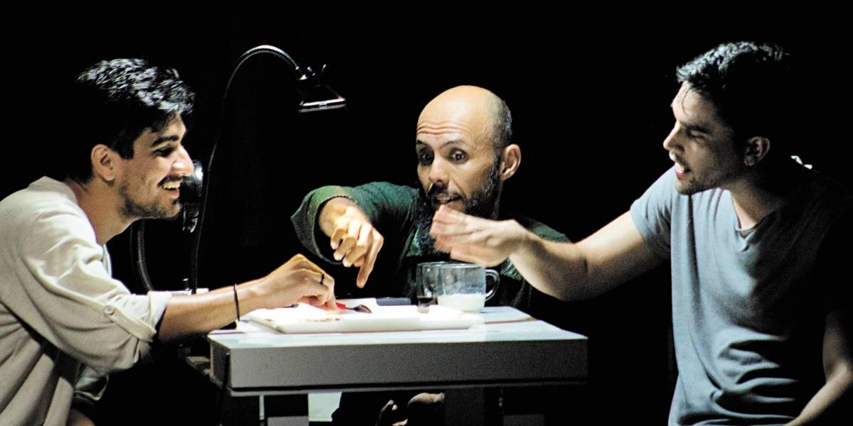 Espetáculo teatral do Grupo Carmin levanta questões sobre identidade do povo nordestino