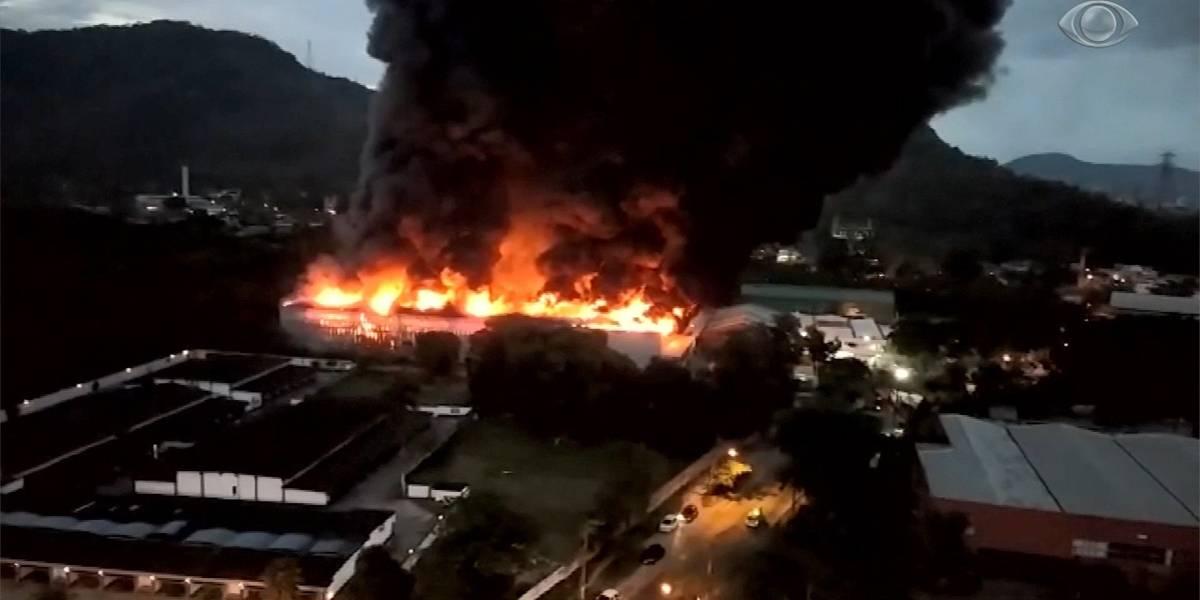 Incêndio atinge galpão do Projac da Globo