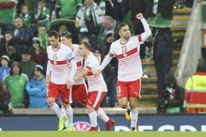 Ricardo Rodríguez celebrando un gol ante Irlanda del Norte