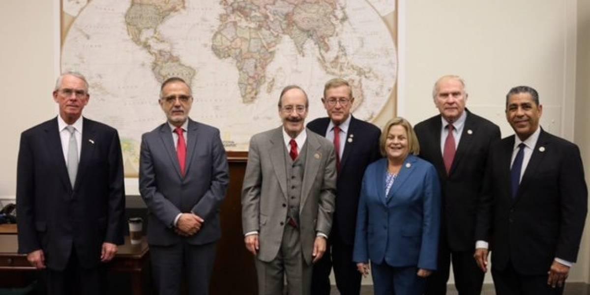 Congresistas de EE. UU. muestran su apoyo a Iván Velásquez durante reunión en Washington