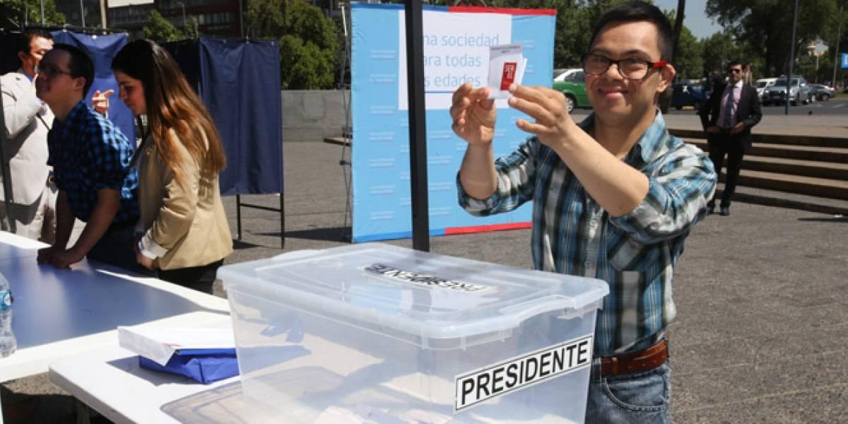 Voto asistido: Campaña busca apoyar a sufragar a chilenos con movilidad reducida