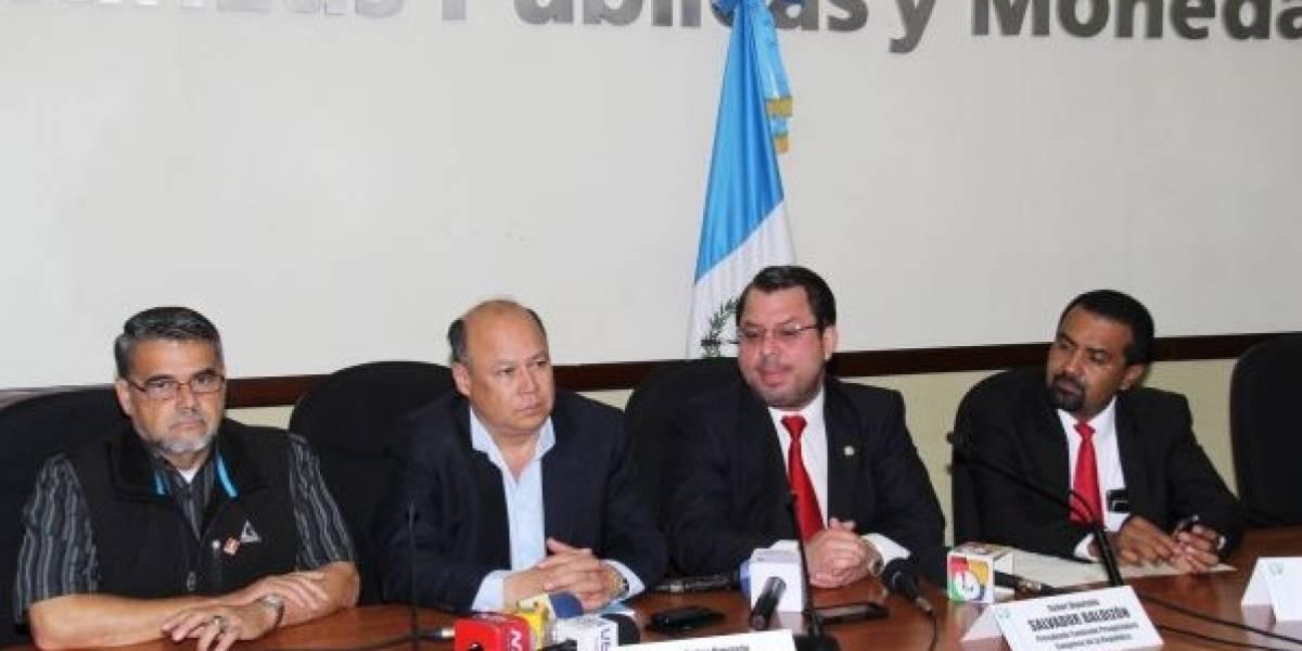 Diputado de la UNE busca evitar la cancelación de partidos políticos