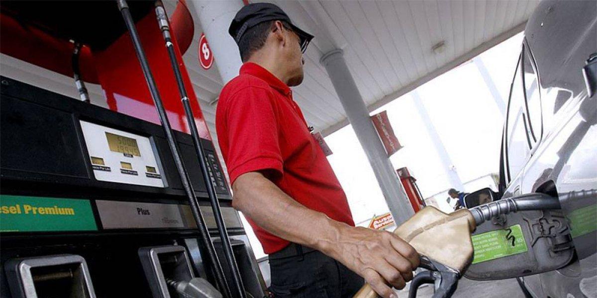 Nuevas alzas de los combustibles, excepto los dos tipos de gas