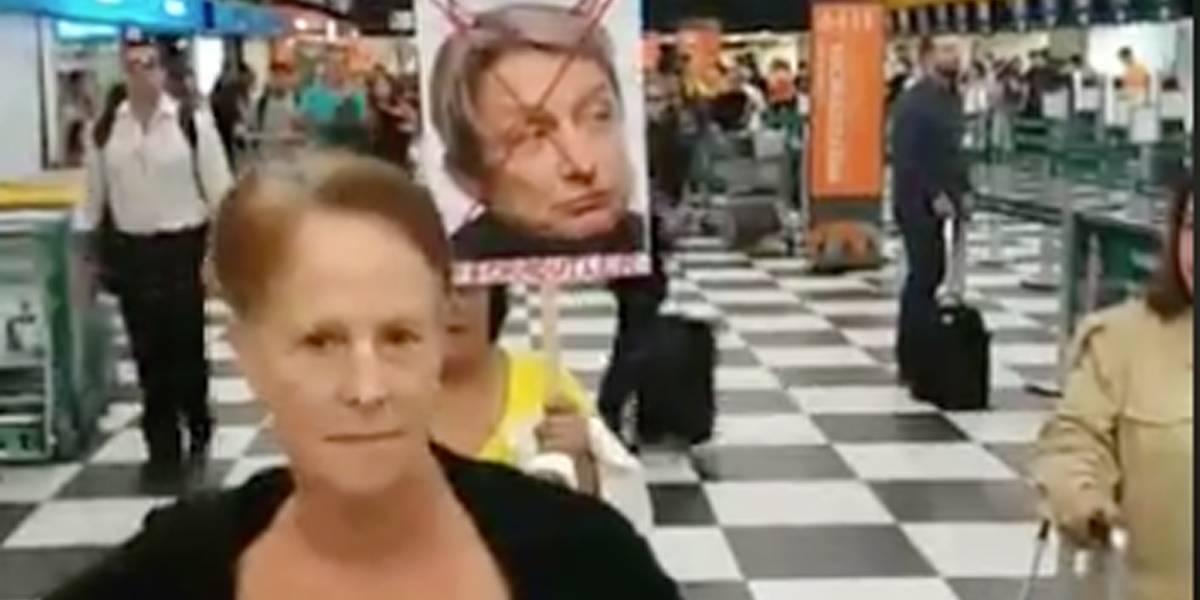 Judith Butler é agredida ao embarcar no aeroporto de Congonhas