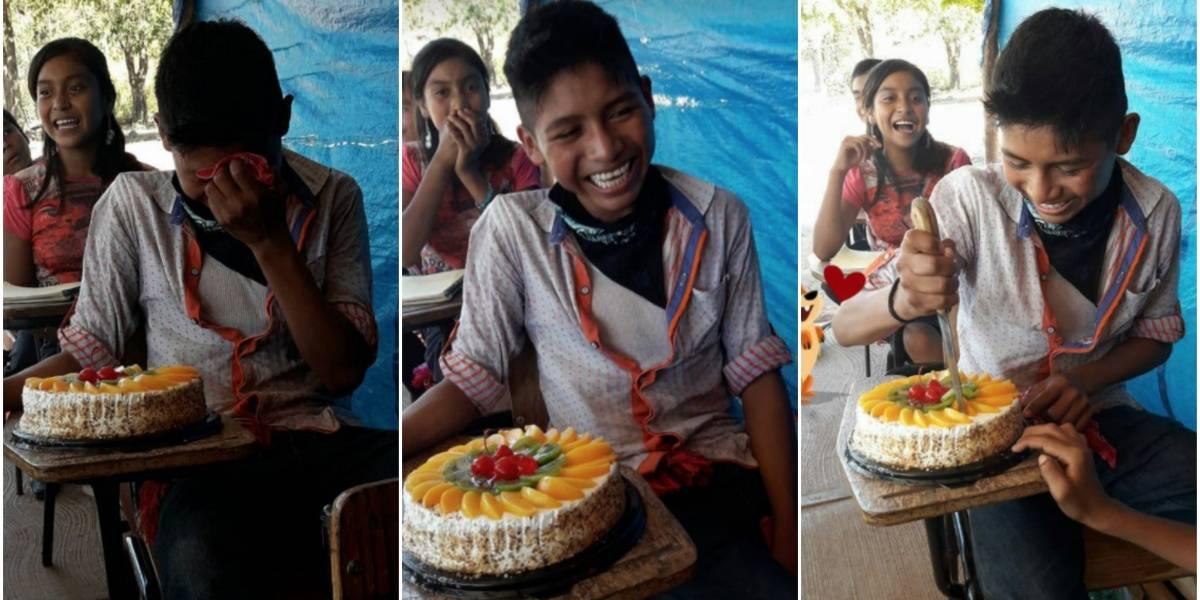 Hay heroínas que no llevan capa: profesora le regala la primera torta de cumpleaños de su vida y alumno rompe en llanto