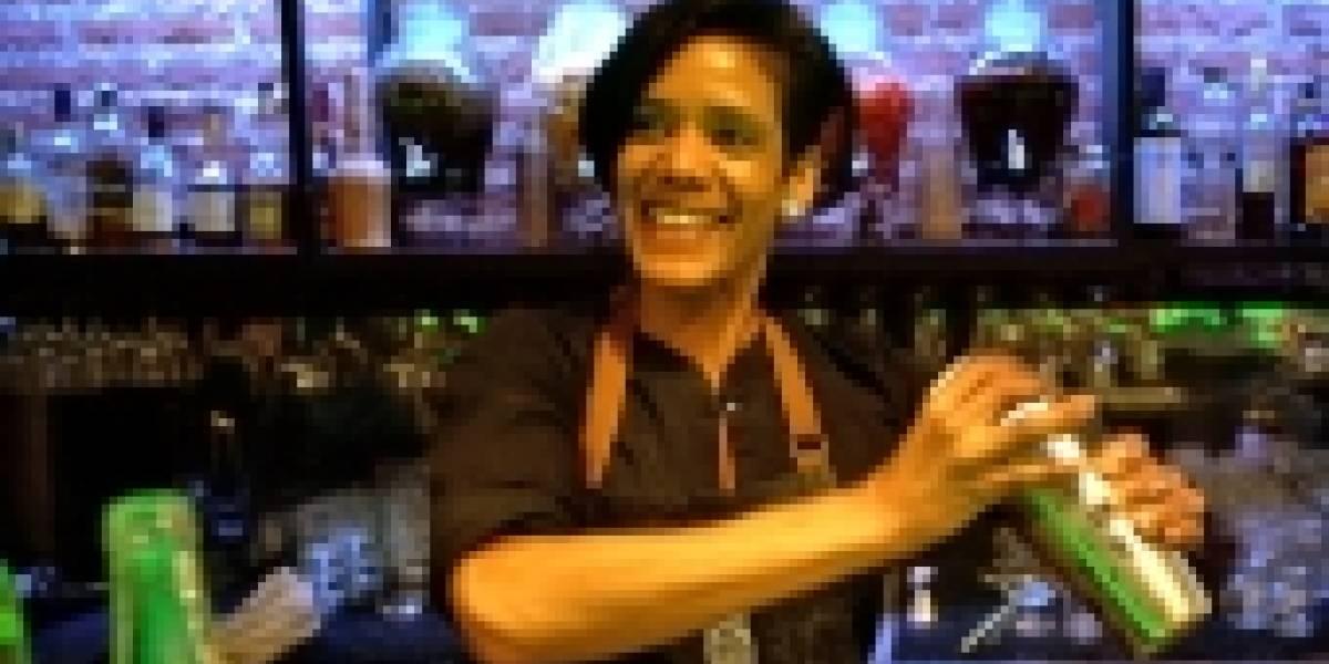 ¿Pisco chileno o pisco peruano? El inusual bar donde se sirven las dos bebidas rivales