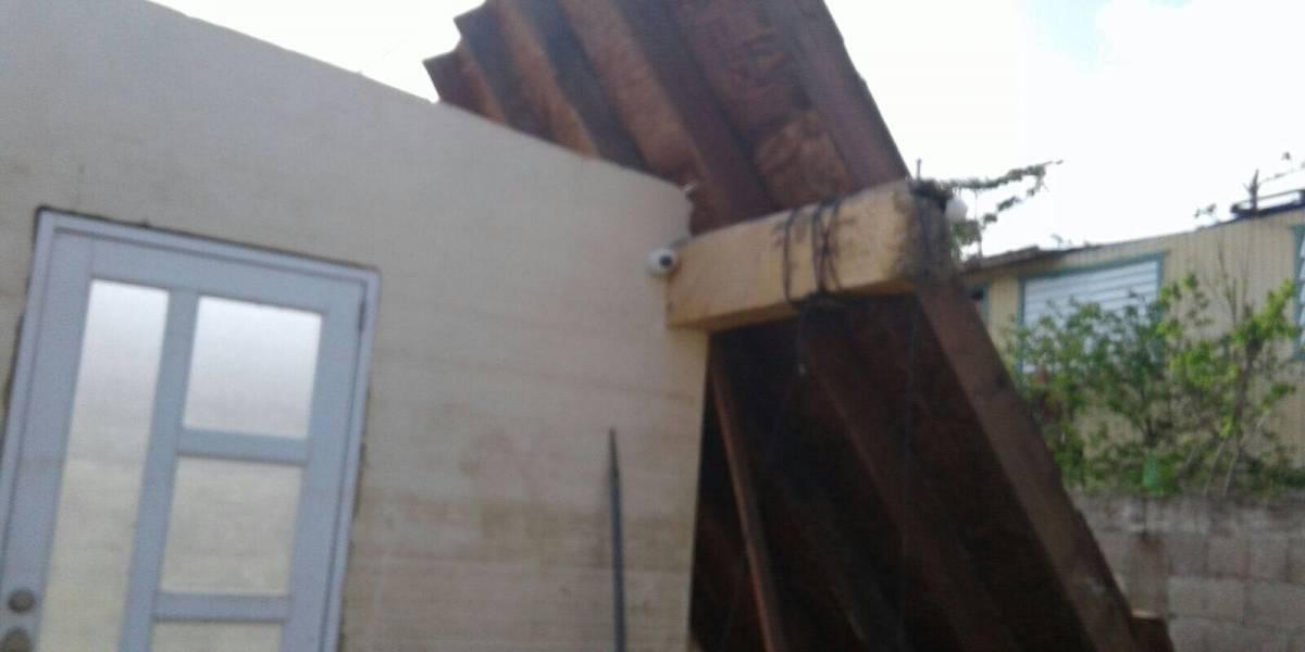 Damnificados por María no han recibido ni un toldo de parte de FEMA