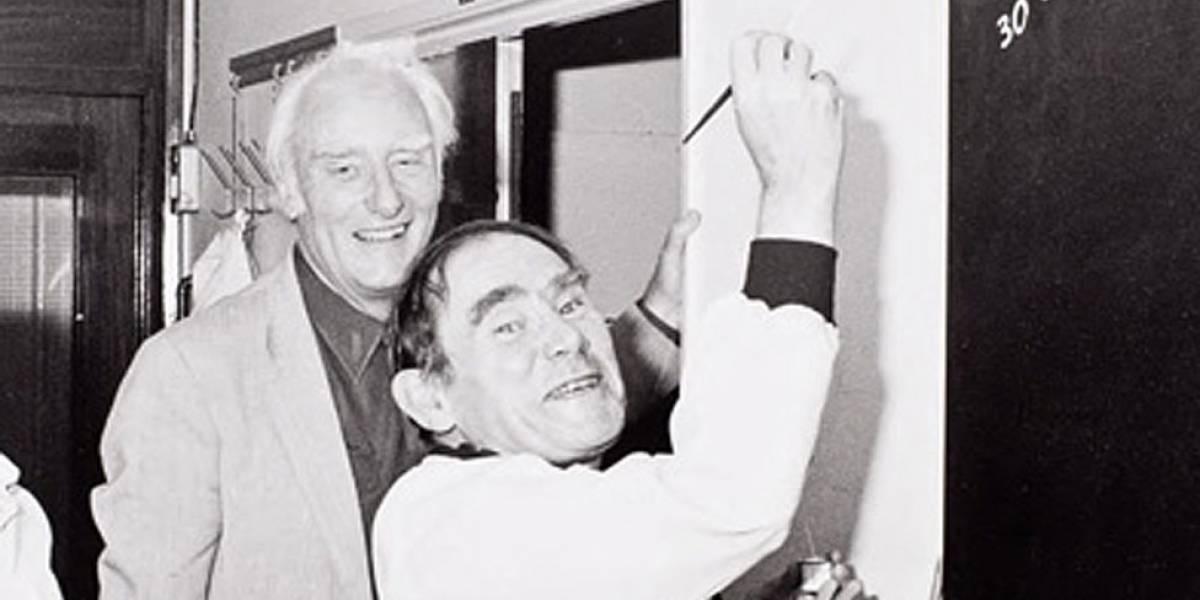 """Las """"sesiones locas"""" en las que el gigante de la biología Sydney Brenner ayudó a sentar las bases de la era genética en la que vivimos"""