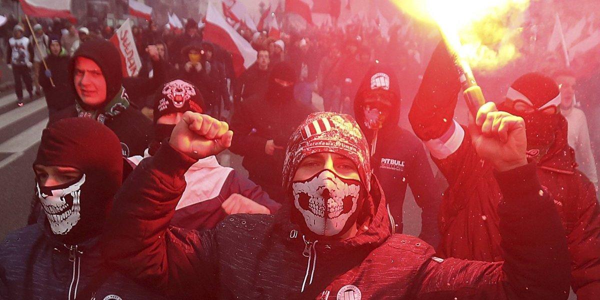 Conmemoran independencia de Polonia con gran marcha de ultraderechistas