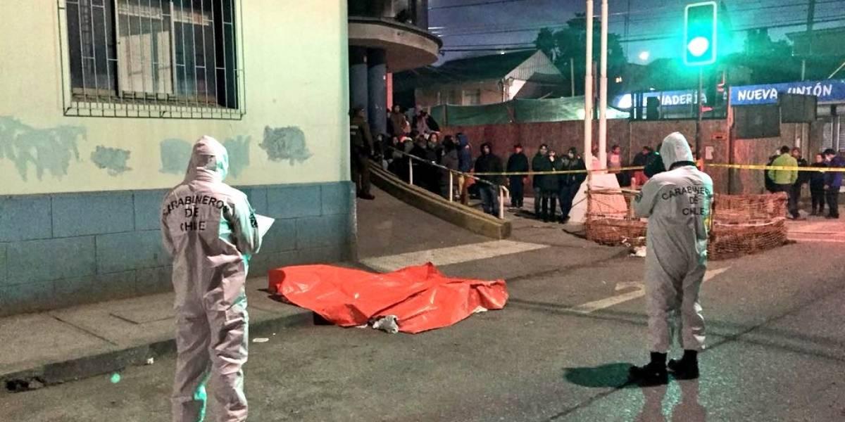 Asesinan a tres hermanos a balazos en una vía pública de Lota