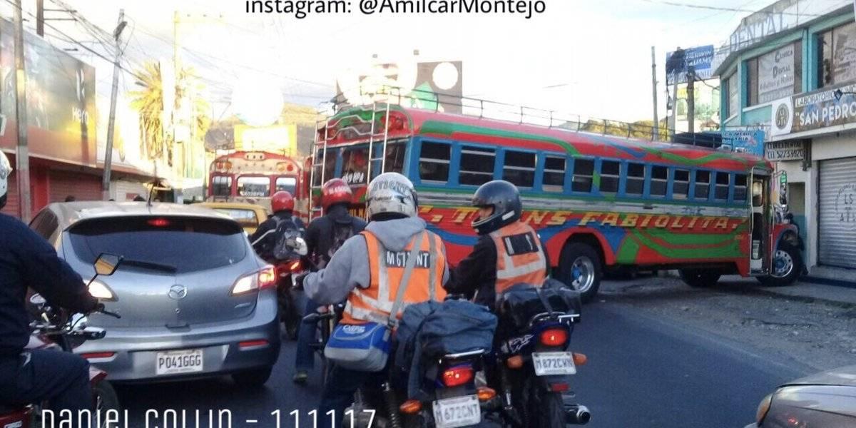 Pilotos bloquearon la entrada a Boca del Monte