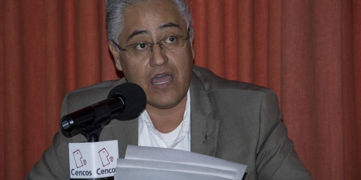 Ordenan detener a rector de la UAEM y a su esposa; catean su casa