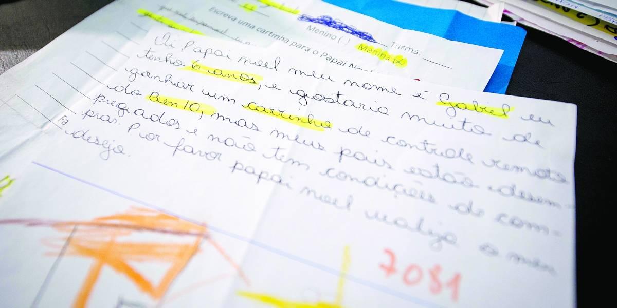 Cartas ao Papai Noel poderão ser 'adotadas' nos Correios a partir da semana que vem