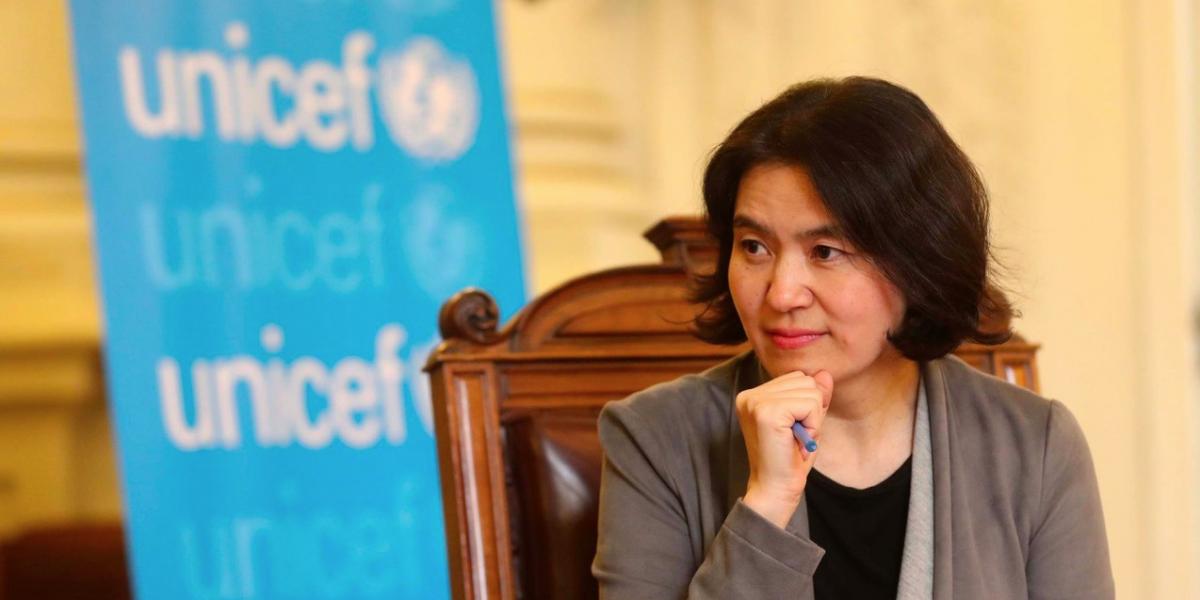"""Representante de Unicef en Chile: """"Es crucial que los niños vean que sus padres cumplen sus responsabilidades cívicas"""""""