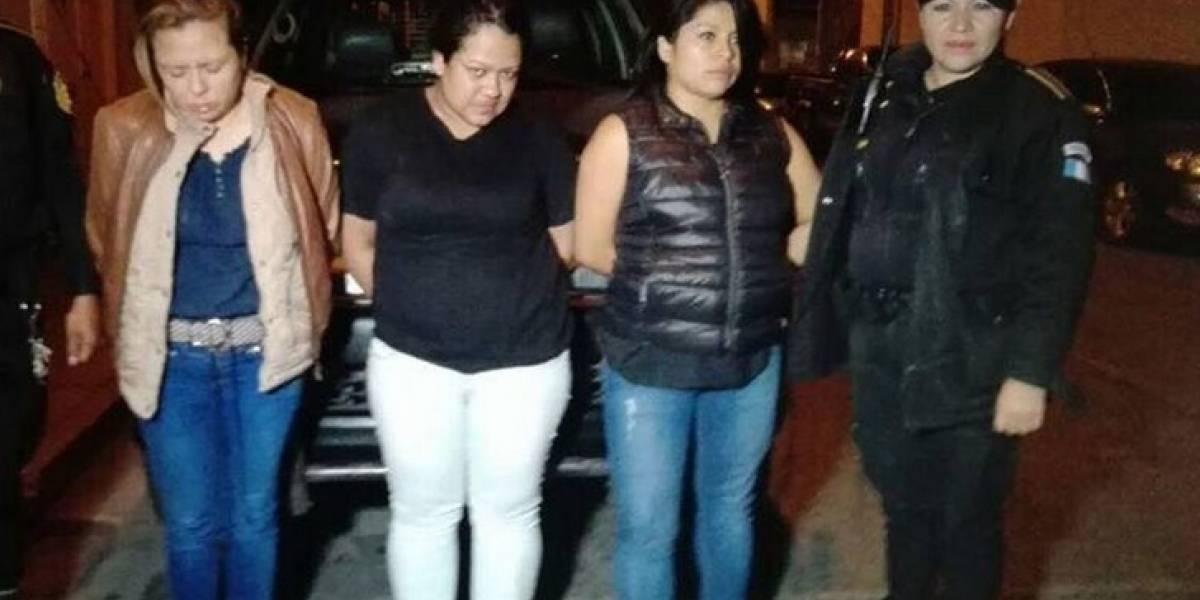Detienen a tres mujeres cuando intentaron robar en centro comercial