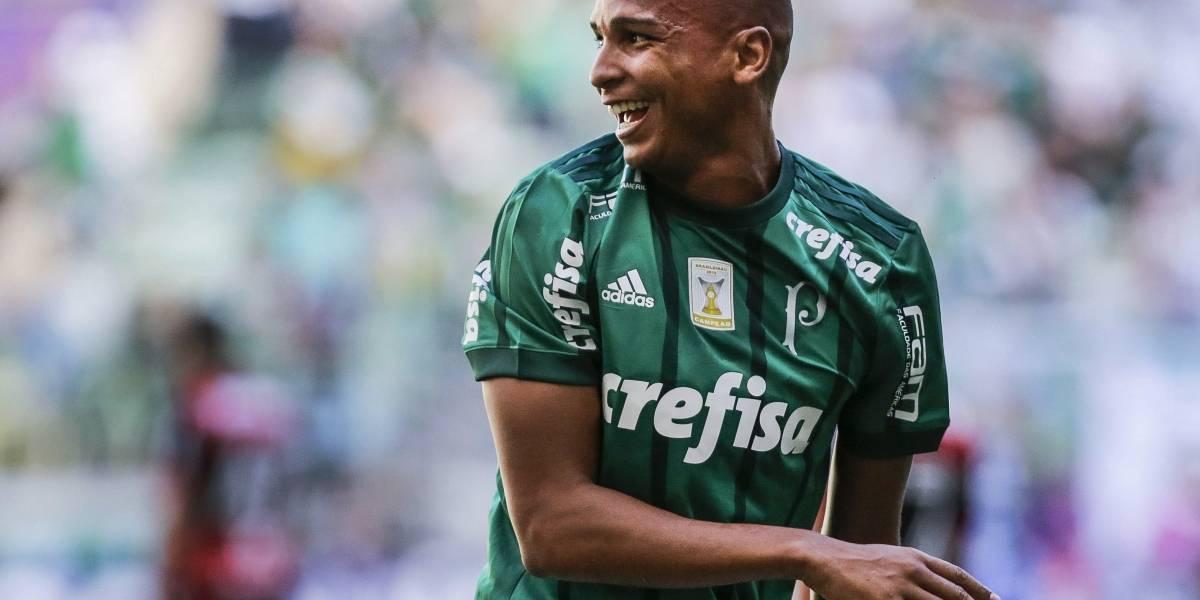 Deyverson brilha e Palmeiras bate o Flamengo