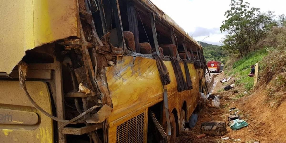 Acidente com ônibus de turismo deixa mortos e feridos na Rodovia Fernão Dias