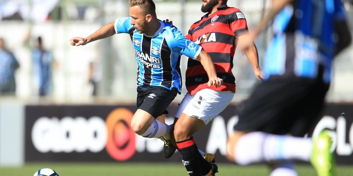 Grêmio empata com Vitória e vê Corinthians abrir dez pontos na liderança