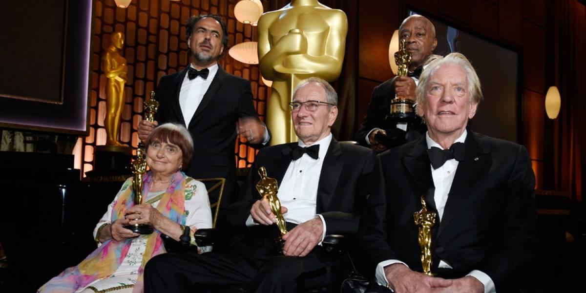Hollywood olvida el escándalo en primera gran noche de los Oscar