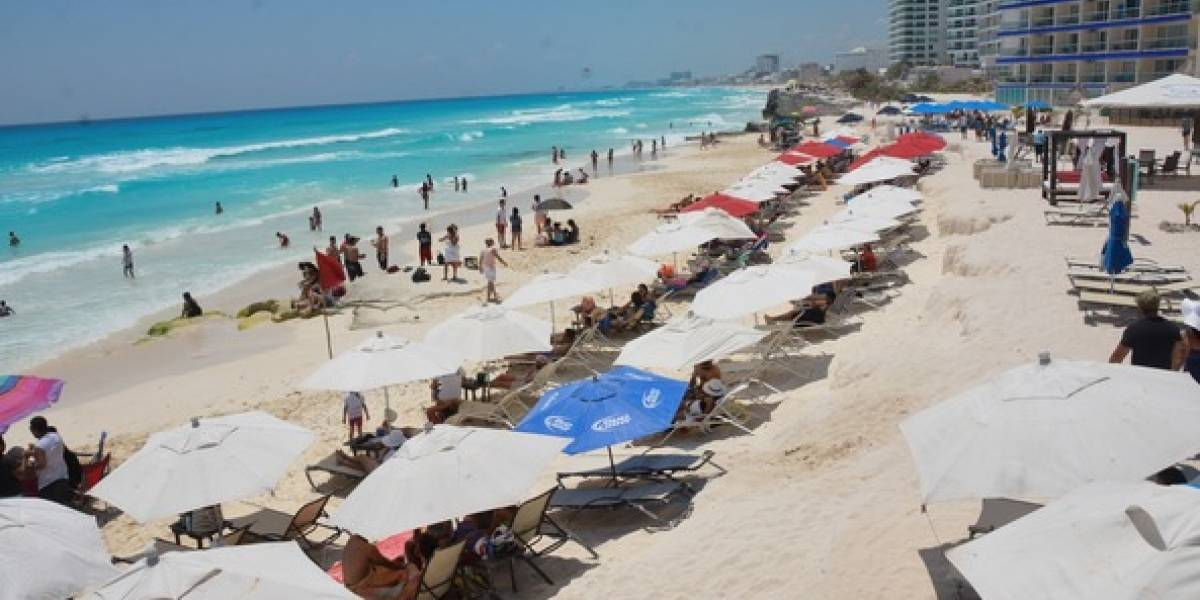 Esta empresa te paga por visitar hoteles, antros y restaurantes de Cancún