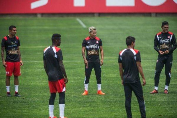 Raúl Ruidíaz puede ser la carta de gol de Perú ante Nueva Zelanda en Lima / Foto: AFP