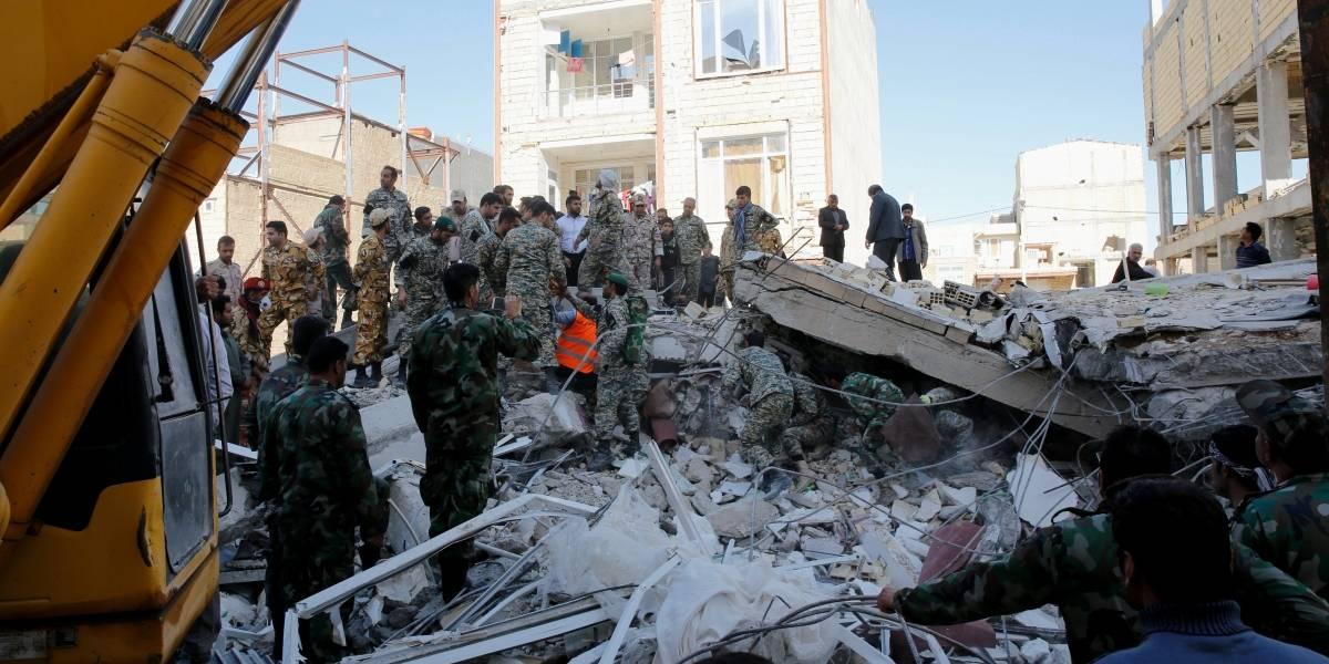 Resultado de imagen para Suben las víctimas del terremoto de Irán a 328 muertos y casi 4.000 heridos