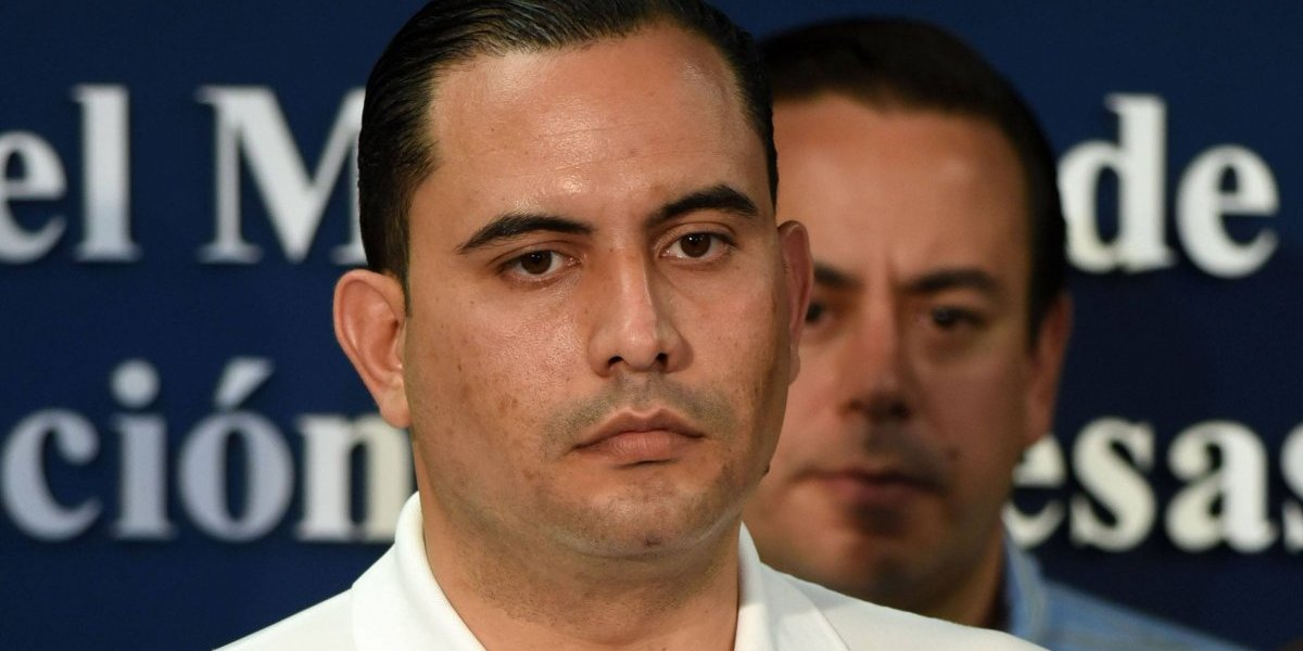 """Califican como """"sospechosa"""" renuncia de Abner Gómez"""