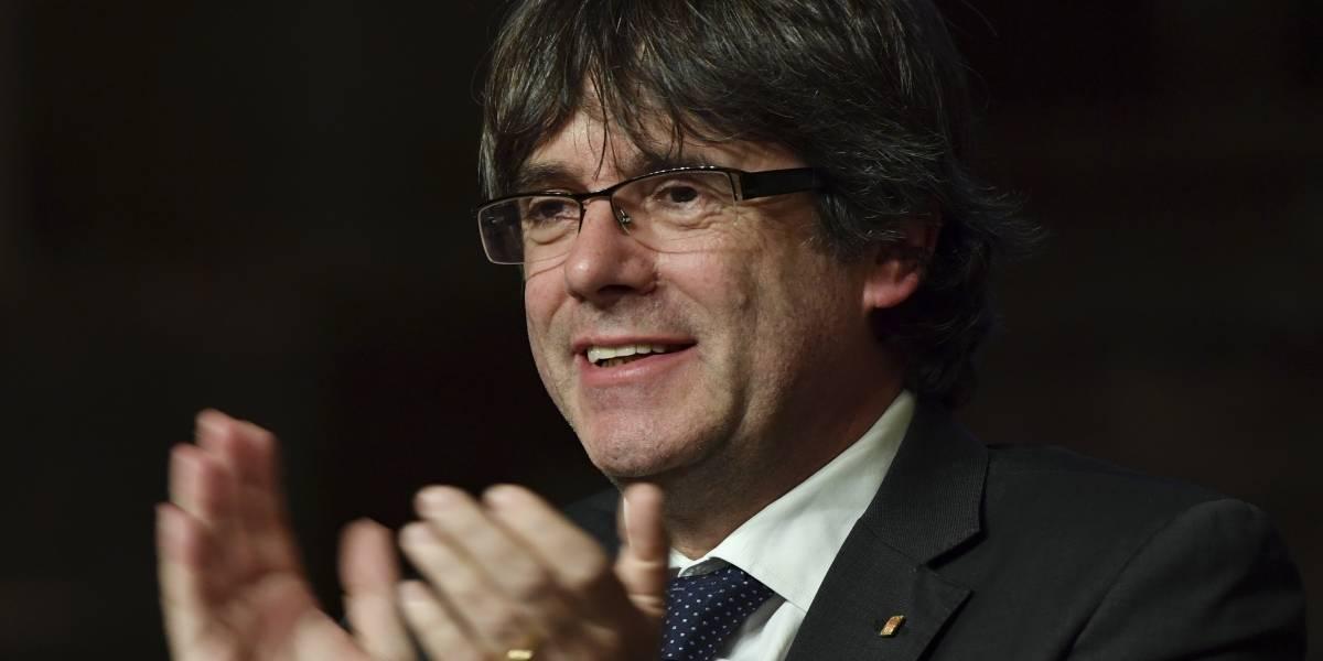 Puigdemont dijo estar abierto a un acuerdo con Madrid para solucionar crisis catalana