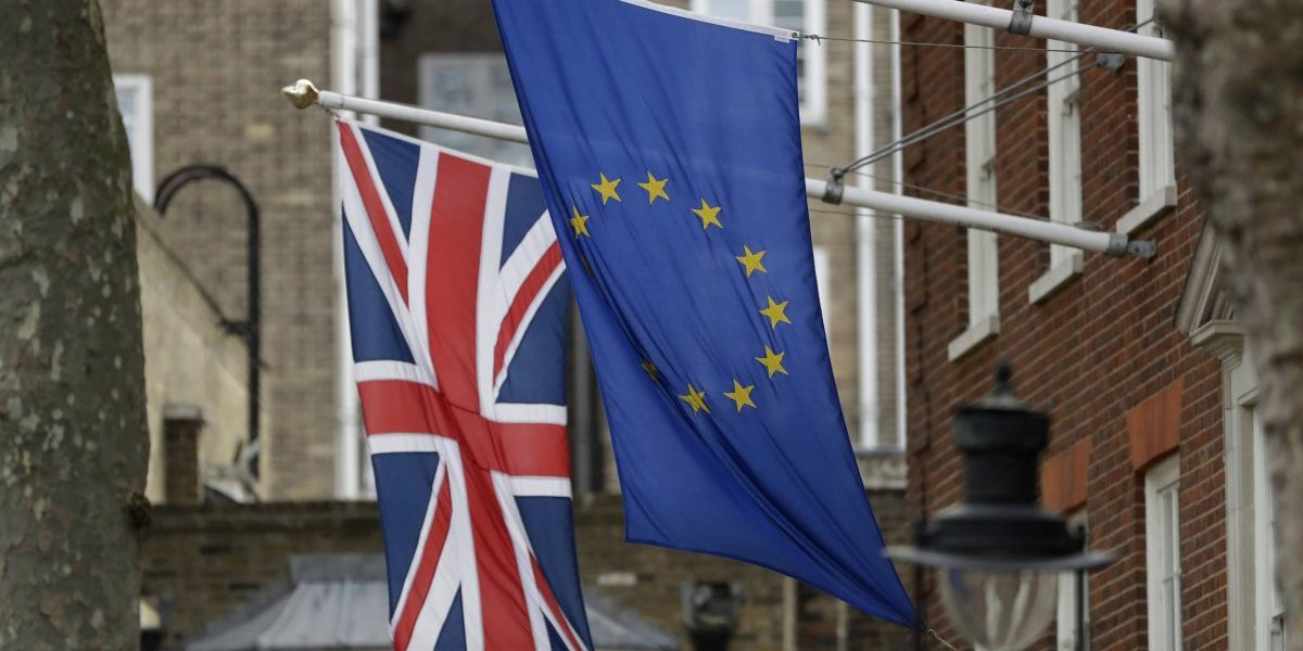 """El Parlamento británico votará el acuerdo del """"brexit"""" antes de la salida"""