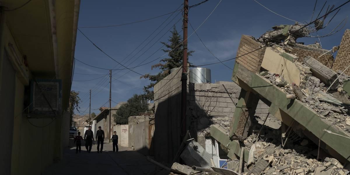 Sube a 407 el número de muertos tras el sismo en la frontera de Irán e Irak