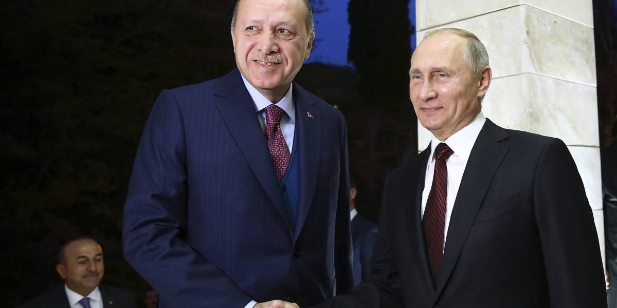 Putin y Erdogan destacan la recuperación casi total de relaciones bilaterales