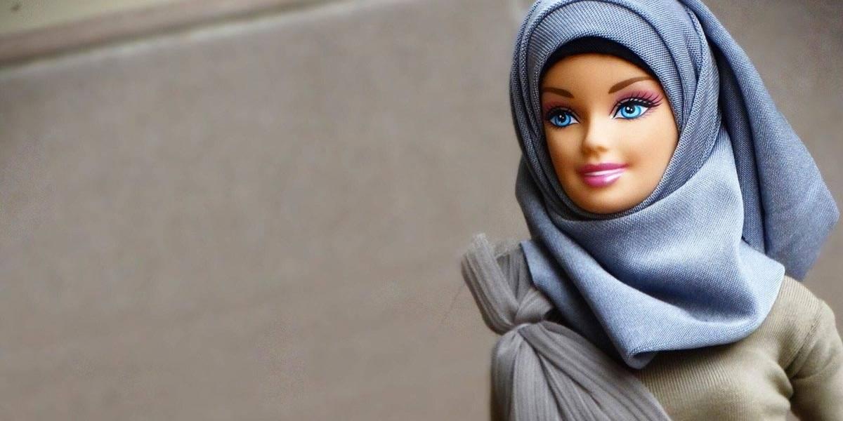 Mattel lança a primeira boneca Barbie que usa hijab