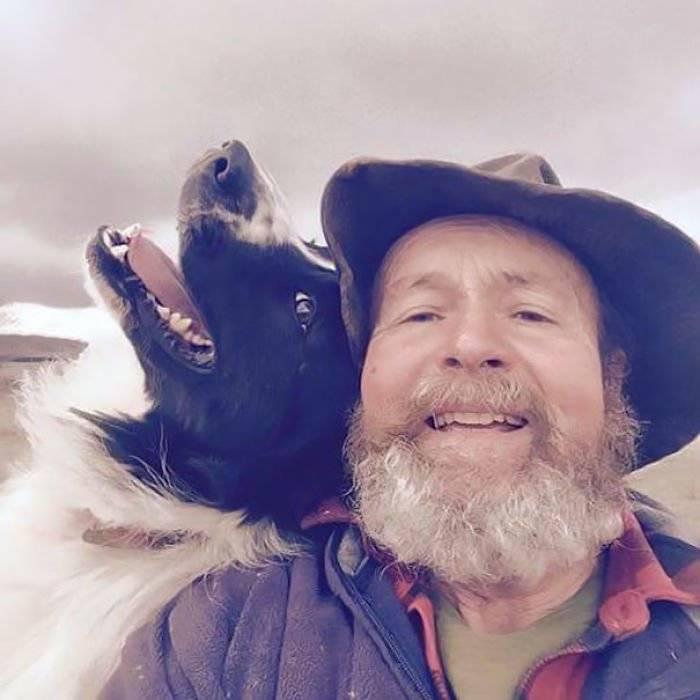 Fazendeiro aprende a fazer selfies