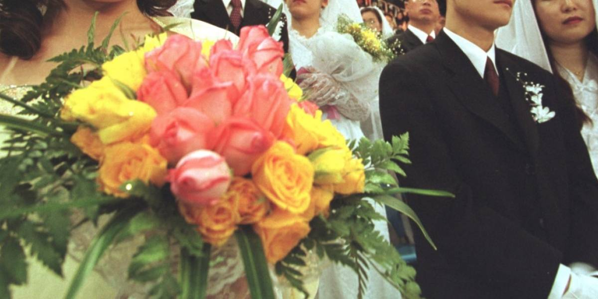 De la máxima felicidad a la máxima pena: novia muere en el momento en que lanzaba el ramo