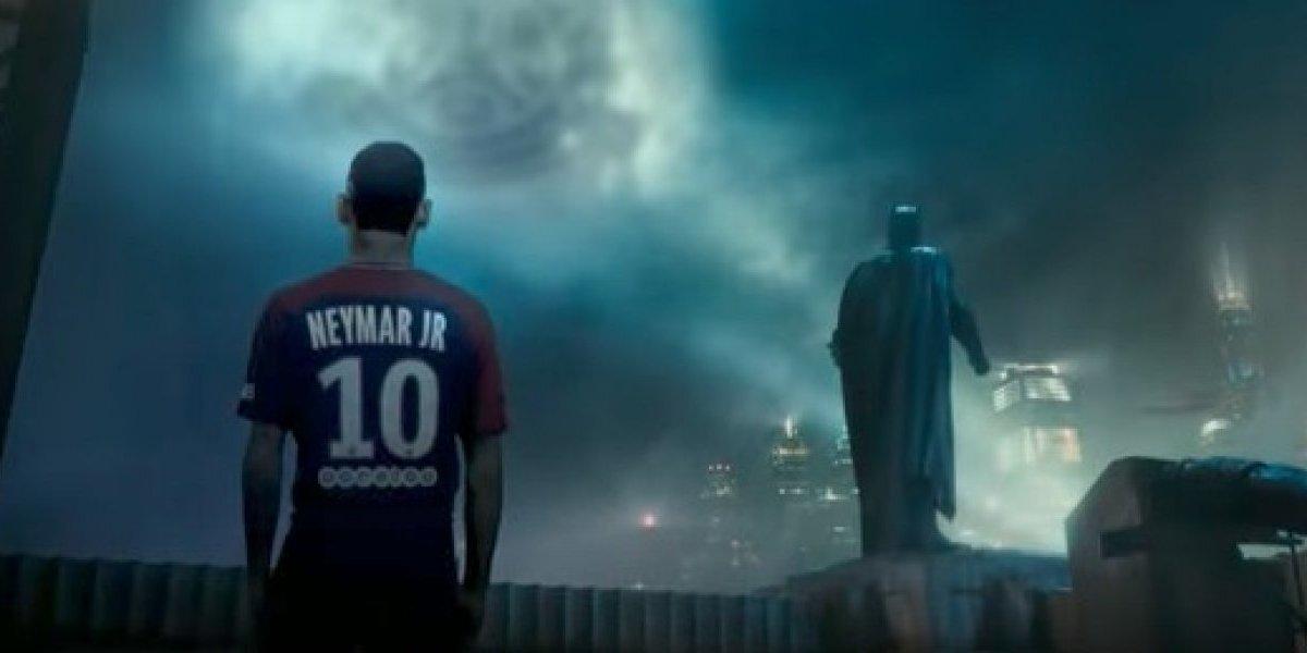 VIDEO: Jugadores del PSG, superhéroes en la Liga de la Justicia