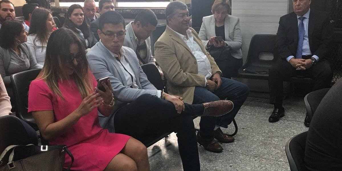 Los Mendoza coinciden en juzgado por indagatorias