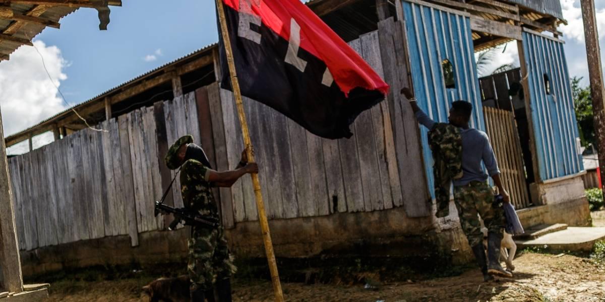 ELN cree que retirada de Ecuador retrasa acuerdo de alto el fuego en Colombia