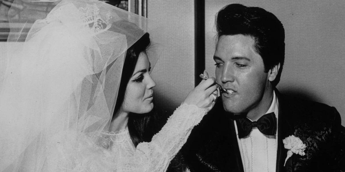Documento de divórcio entre Elvis e Priscilla Presley é leiloado por R$ 85,8 mil