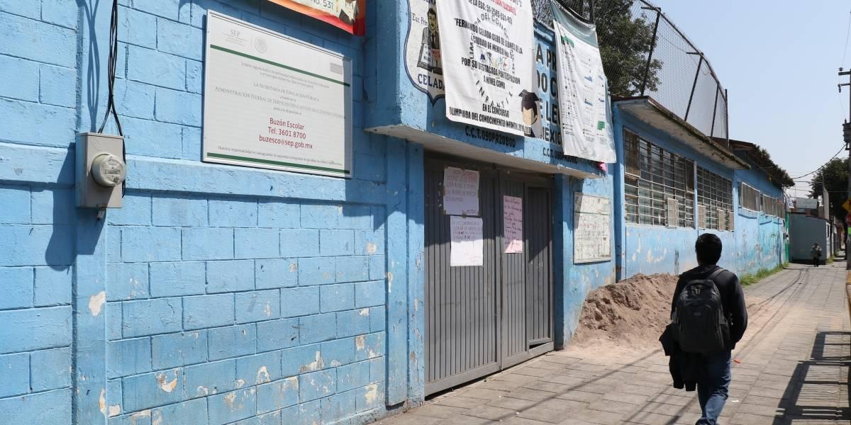 CDMX reparará bardas y daños menores en 422 escuelas