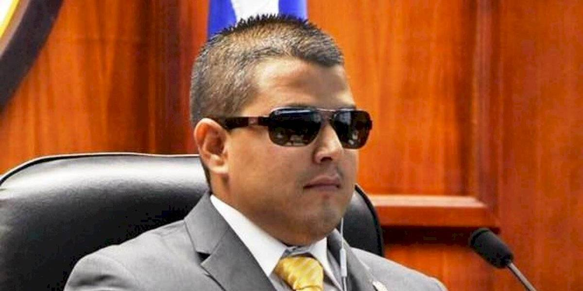 Nestor Alonso salió bajo fianza al pagar $1,000