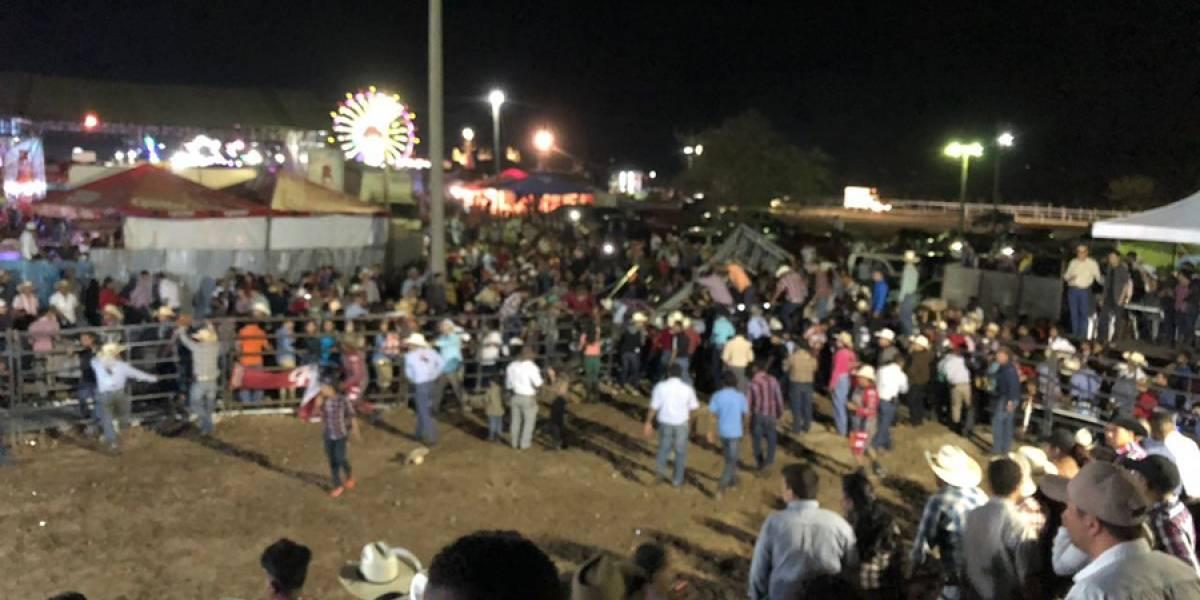 Video del momento en que se desploma graderío durante jaripeo en Jutiapa