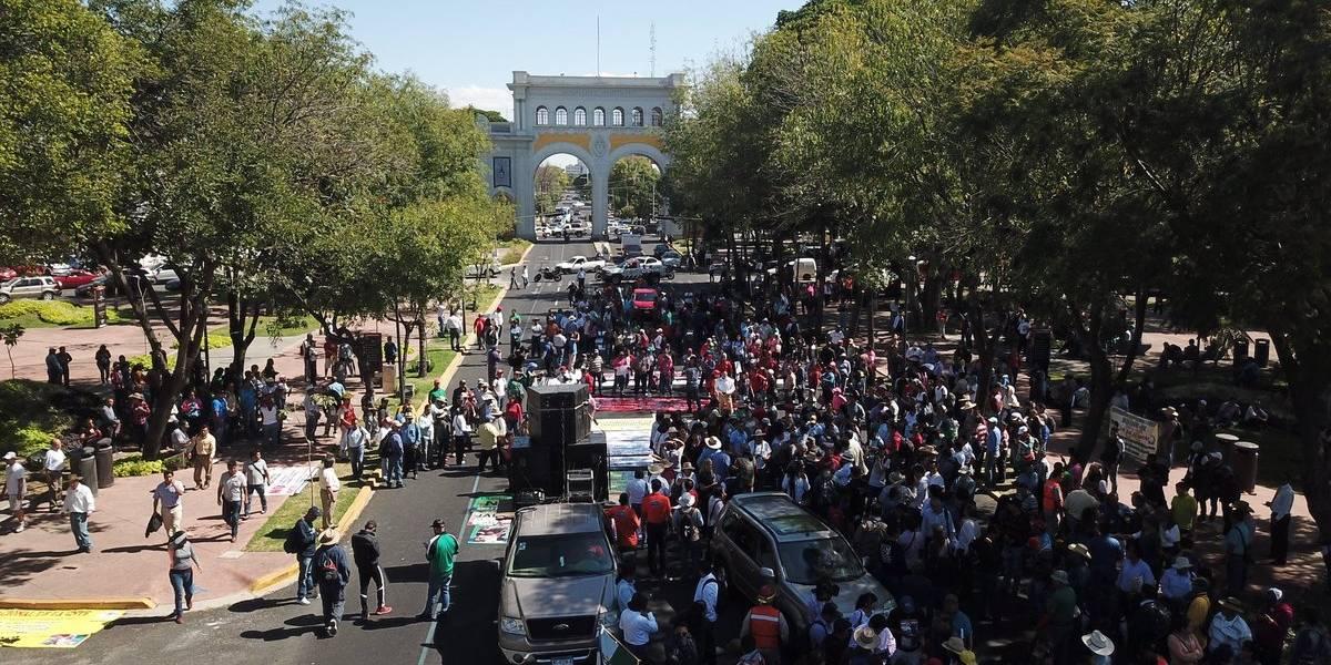 Protesta de la CNTE desquicia vialidad en Guadalajara