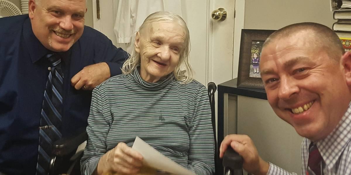 Reconoce sus fotos, pero no recuerda 42 años de vida