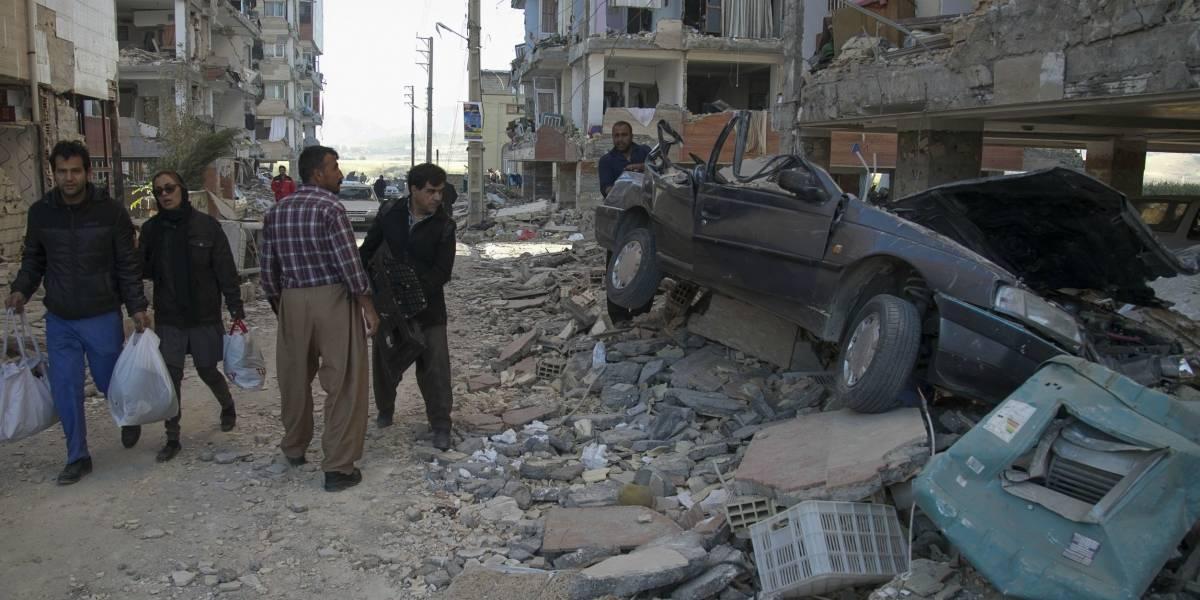 Se elevan a más de 330 los muertos y 2.800 los heridos tras terremoto 7,3 en región fronteriza entre Irán e Irak