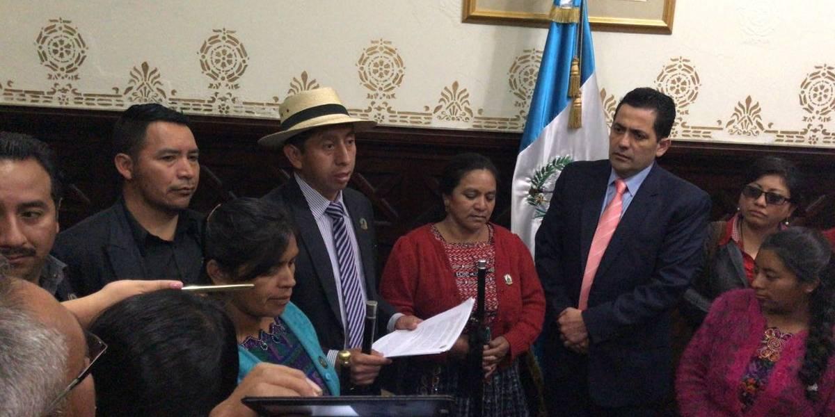 Los 48 Cantones exigen renuncia de diputados representantes de Totonicapán