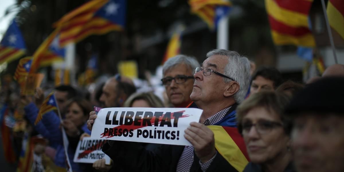 Casi mil empresas trasladaron su sede fiscal fuera de Cataluña desde octubre